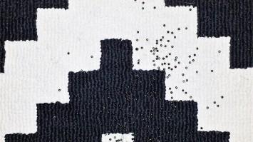 spilled beads closeup 2